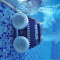 Zwembadrobots: met of zonder kabel?