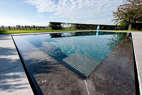 Vind alle zwembadbouwers belgi alle informatie over for Zwemvijver zelf bouwen