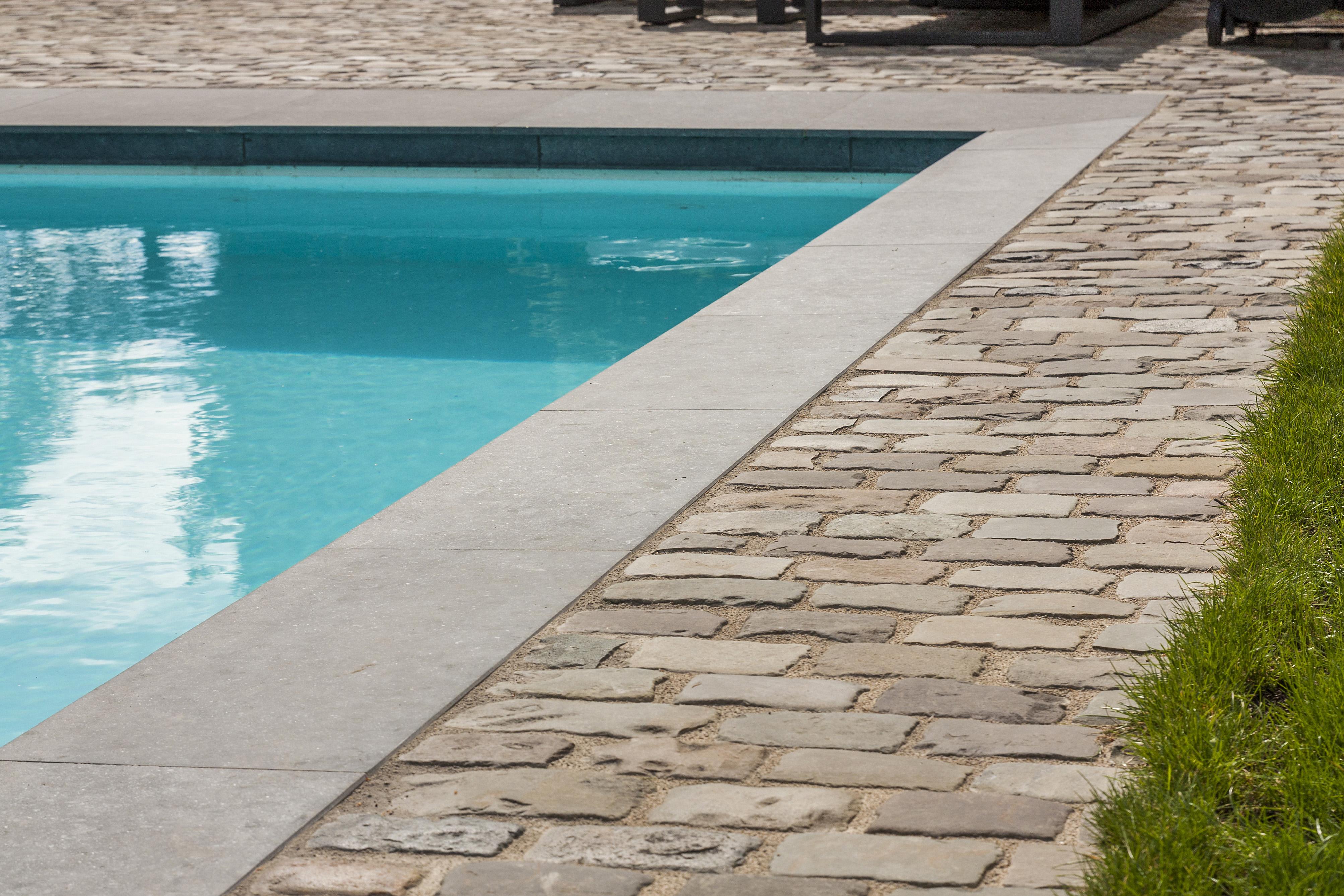 Genoeg Zwembad van Zwembaden Valkenborgh bvba - Van oude tegels naar GL02