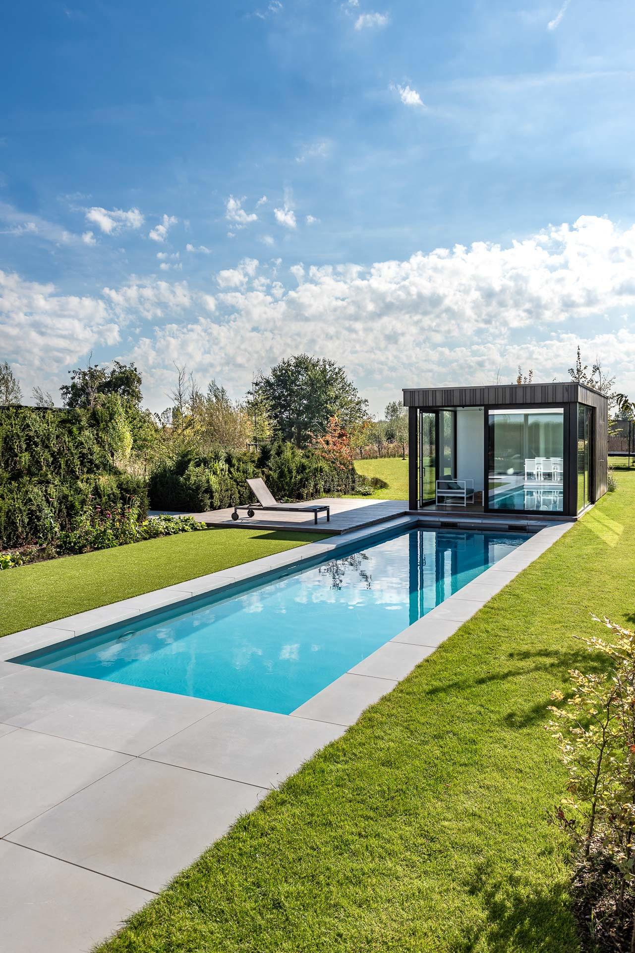 Zwembad van willy naessens swimming pools zwijnaarde for Zwembad afmetingen