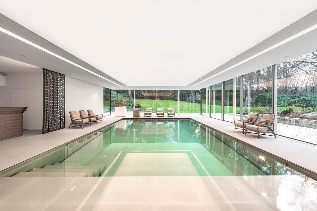 Zwembad Van Willy Naessens Swimming Pools Indoor Pool Met Unieke Afdekking Zwembadenplus